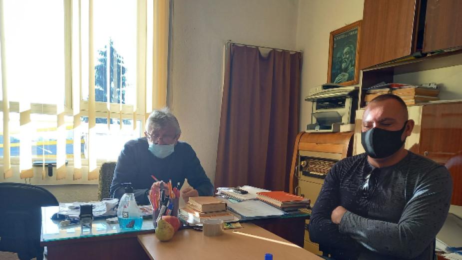 Решават за учителката в Горно Драглище