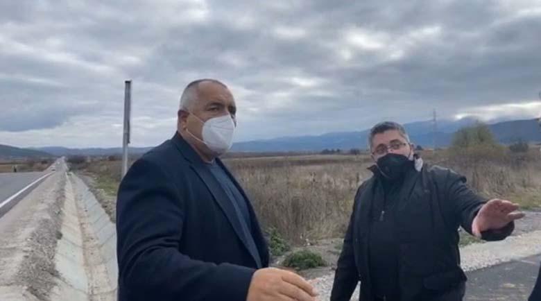 Борисов инспектира път между Самоков и Дупница