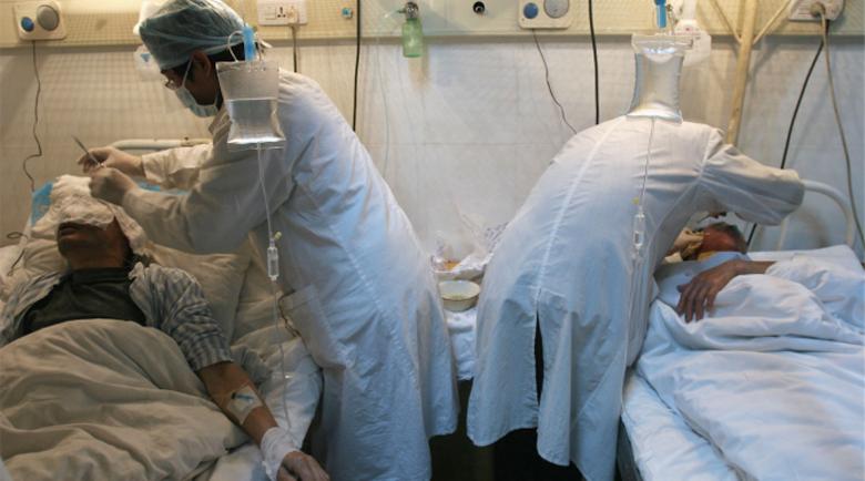 Четирима заразени дупнишки лекари приети в болница, 2000 остават без личен лекар