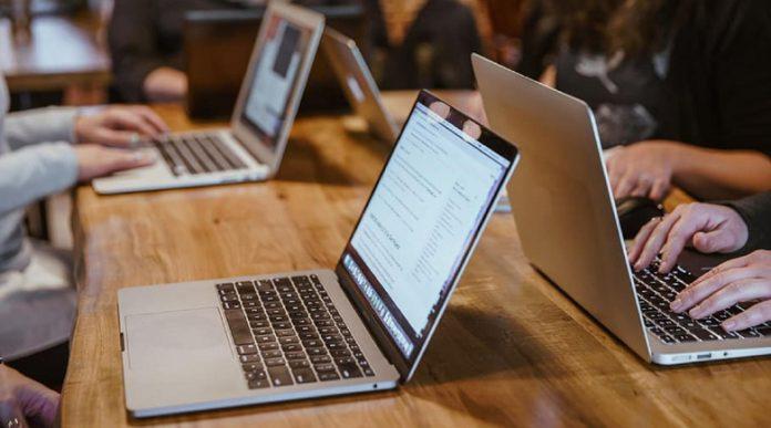 Учениците в две общини на Пиринско минават на онлайн обучение?