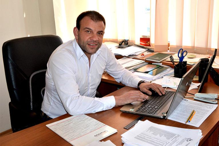 Депутатът Богдан Боцев пребори COVID – 19, записа се за доброволец в гоцеделчевската болница