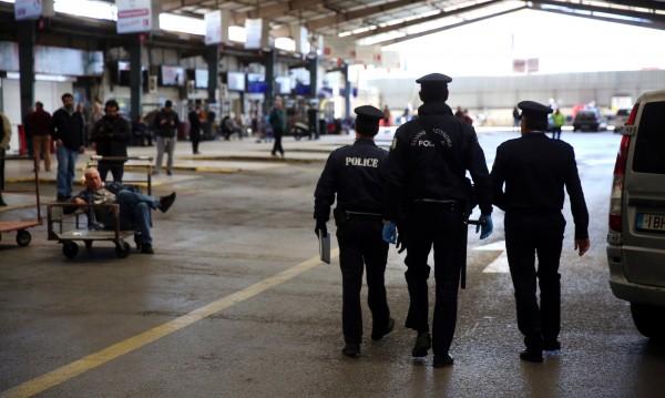 Удължават карантината в Гърция, без пътувания между градовете и за Коледа