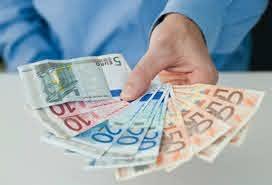 Помощ от 400 евро за дългосрочно безработни в Гърция