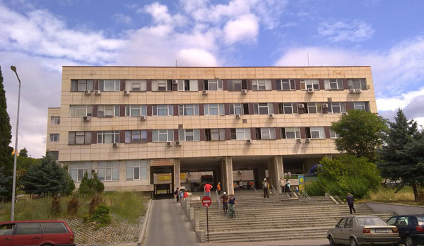 В пика на пандемията: Лекарите специалисти в благоевградската поликлиника масово излязоха в отпуск