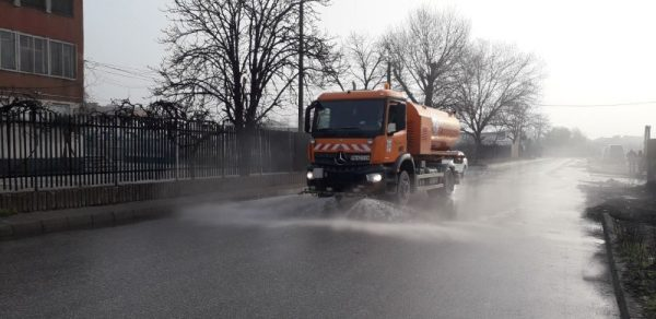 Община Сандански продължава регулярната дезинфекция на обществени места в града