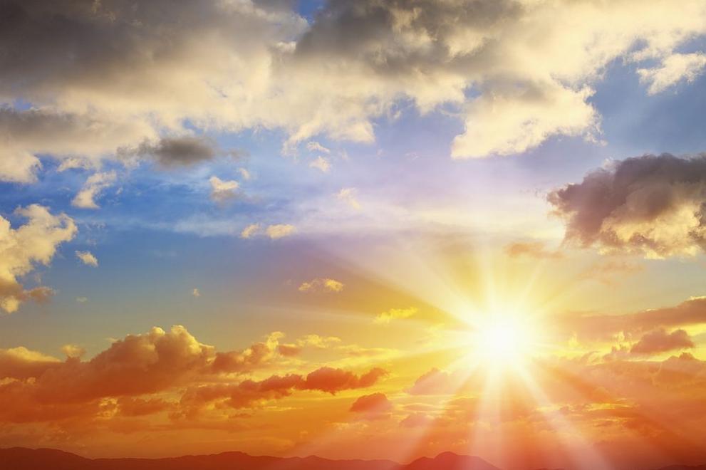 Слънцето изригна най-силно от години