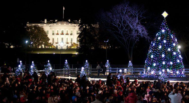 Коледата в Гърция – у дома, пътуването между районите забранено