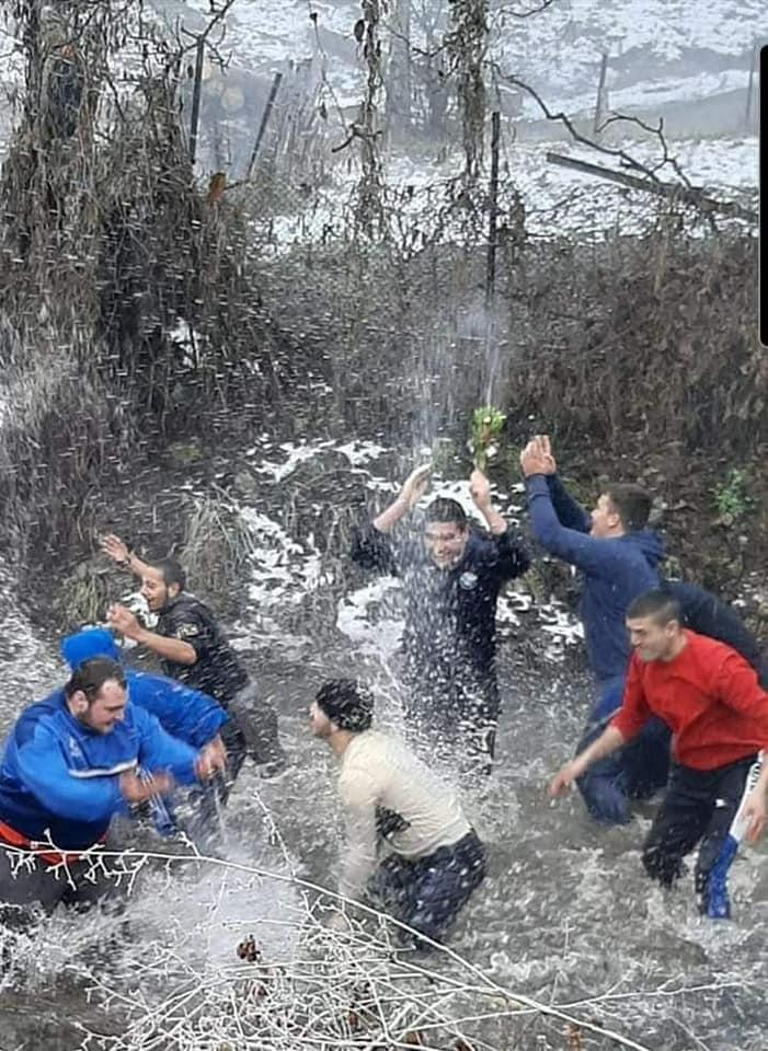 Петър Тончев спаси Светия кръст в Бачево тази година