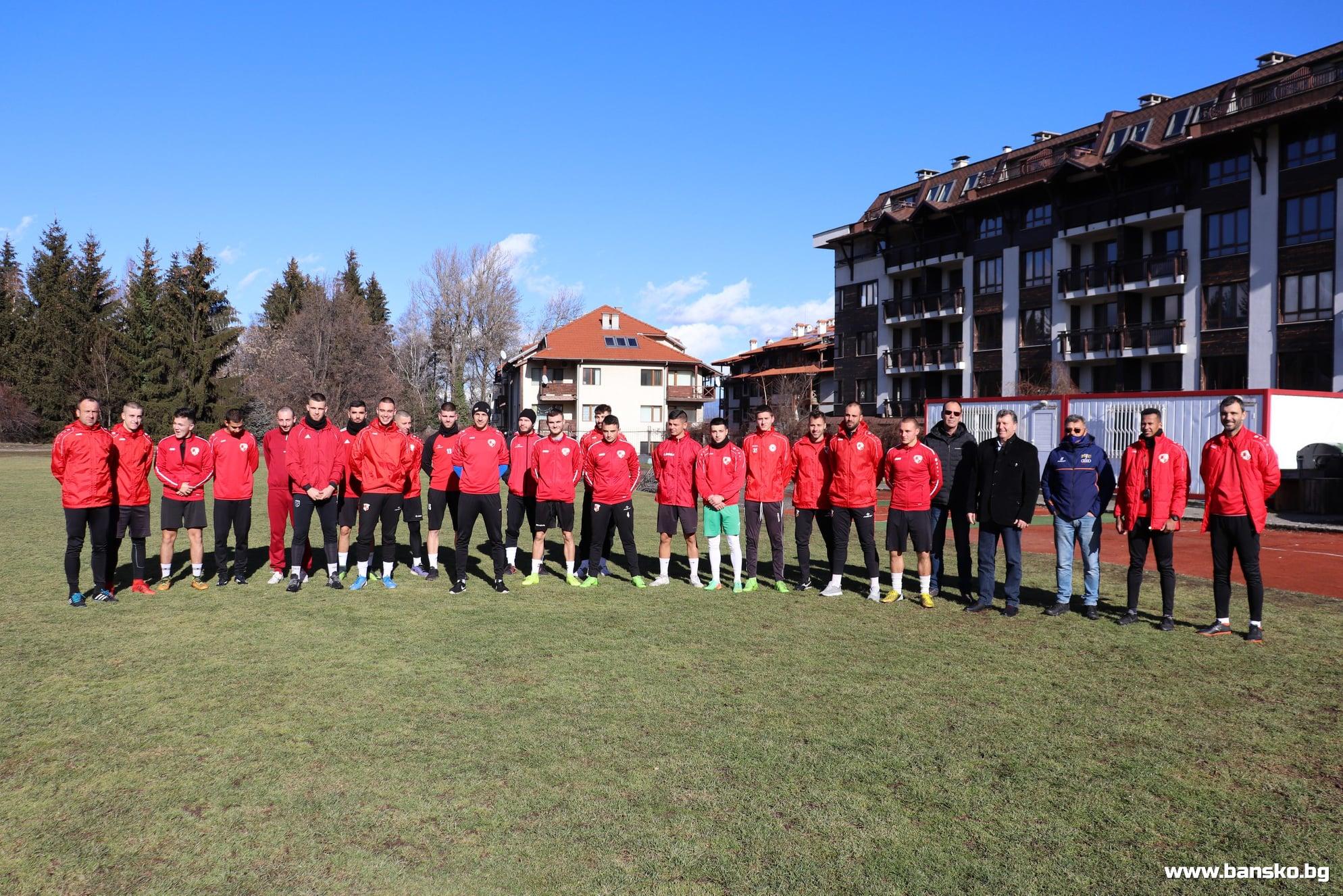 """На стадион """"Свети Петър"""" в Банско бе открит новият полусезон за местните футболисти"""