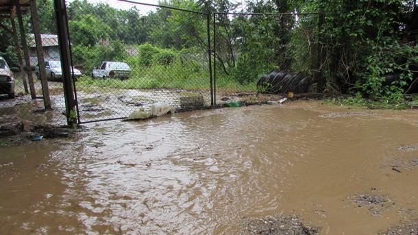 Отпускат по 375 лв. на пострадалите от наводненията