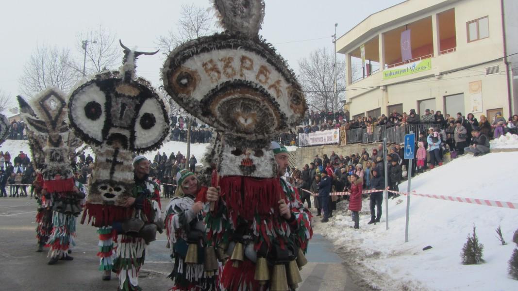 Отменят се общинските сурвакарски фестивали в Радомир и Брезник