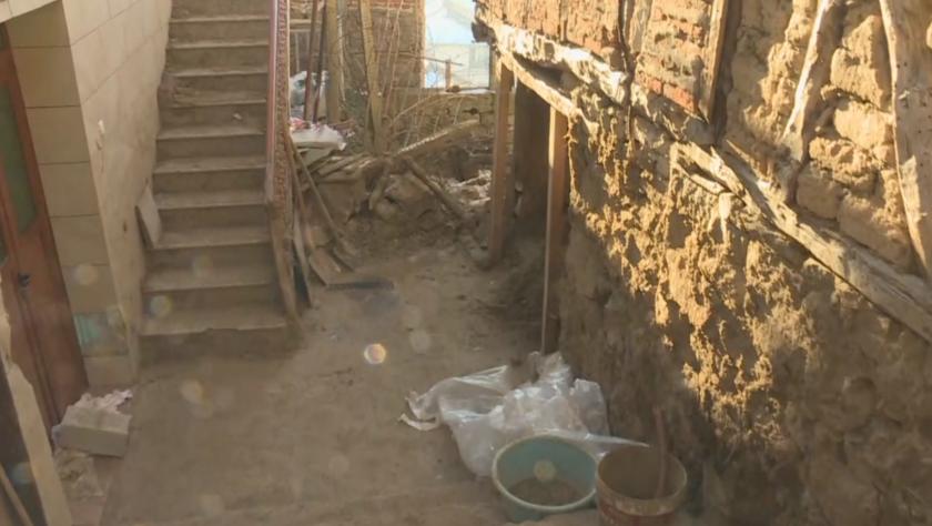 Тонове кал и скали затрупаха улица в хаджидимовското село Тешово