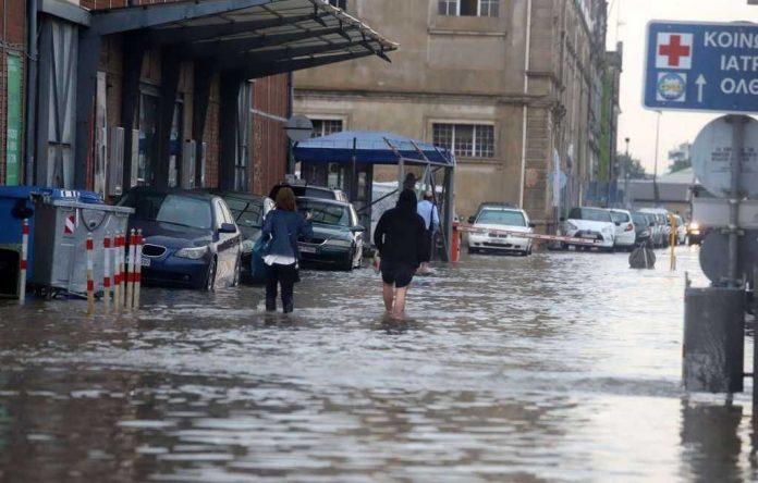 Наводнения и срутища в Северозападна Гърция