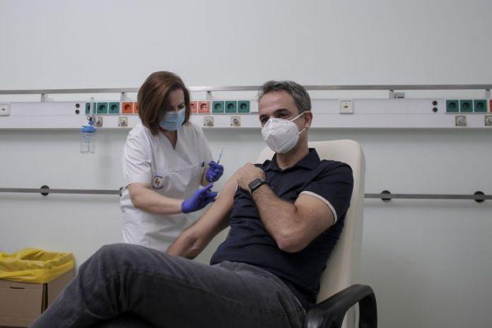 Мицотакис си постави втората доза от ваксината срещу COVID-19