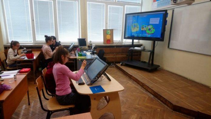 Отварят детските градини и началните училища в Гърция