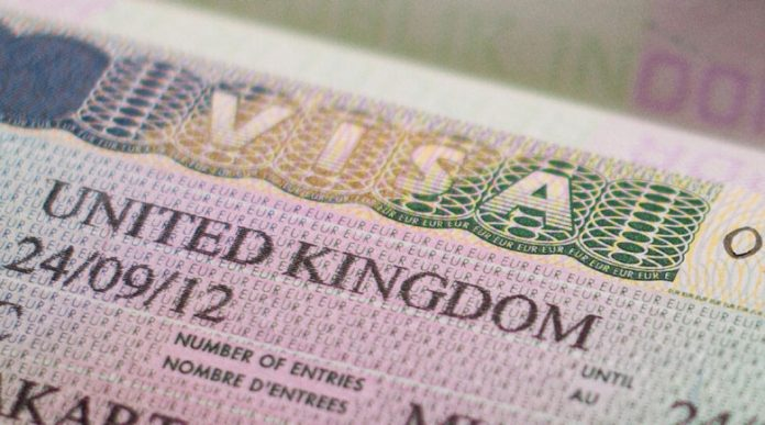 Плащаме с 55 паунда повече от македонците за виза за Острова