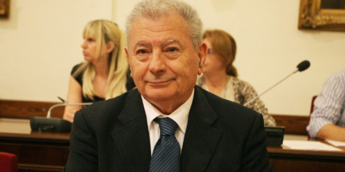 Откриха мъртъв гръцки министър