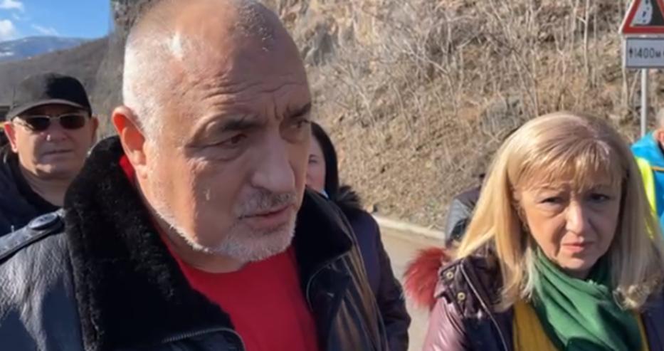 Борисов за свлачището край Своге: Слагаме мрежи, за да не даваме милиарди