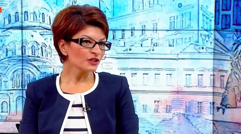 Десислава Атанасова: Гласуването с машина е екзотика