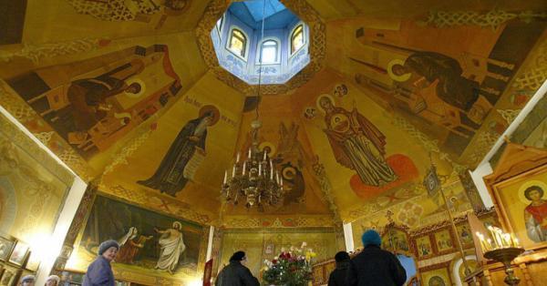 Гръцката църква , отваря храмовете за Богоявление