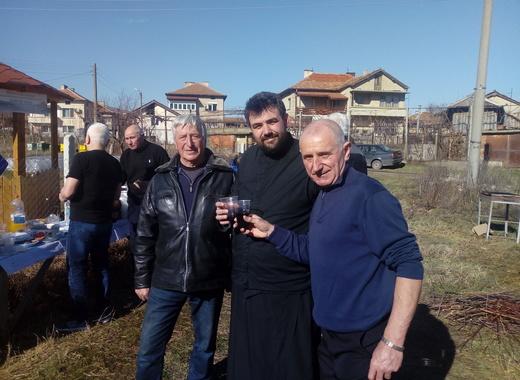 Винената партия празнува на групи заради КОВИД