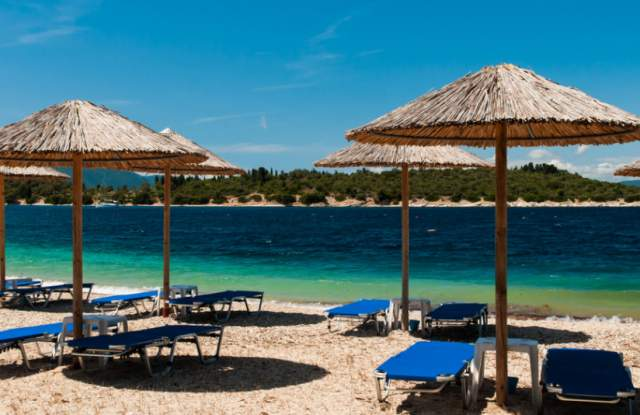 Гръцките власти ще налагат глоби от 300 евро на туристите