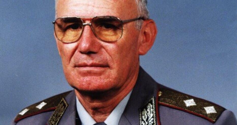 Почина генерал-майор Иван Динев – дългогодишен началник на Военното училище в Шумен