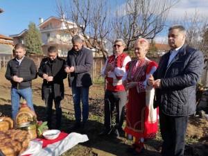 В днешния празничен ден се проведе ритуал по зарязване на лозята в с. Рилци