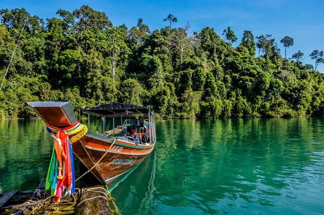 Тайланд няма да поставя под карантина ваксинираните туристи