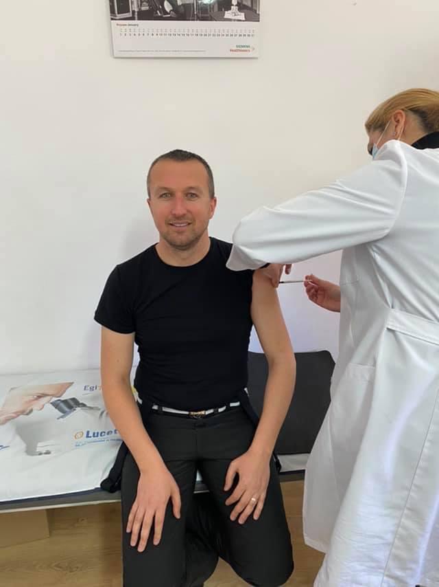 Кметът на Белица Радослав Ревански се ваксинира срещу Ковид-19