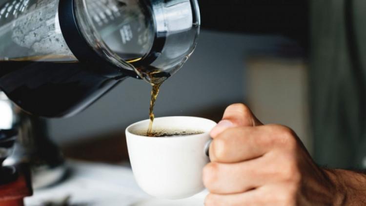 Консумацията на кафе и повече зеленчуци може да осигури защита срещу новия коронавирус