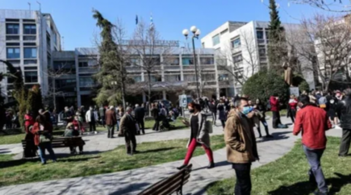 Паника в Гърция след мощното земетресение