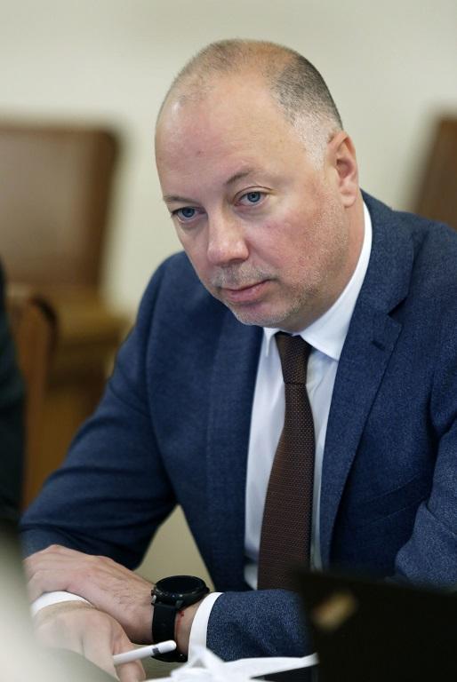 Министър  Желязков: Възстановяваме баланса на концесията на летище София