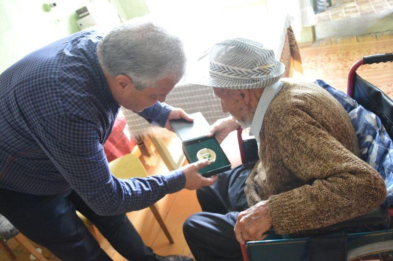 Най-възрастният жител на община Гоце Делчев – Димитър Перухов навърши днес 105 години