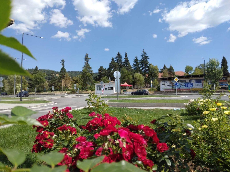 На 19 август откриват новоизграденото кръгово кръстовище в село Баня