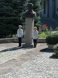 Разлог ще отбележи Съединението на България с поднасяне на венци и цветя пред паметника на Васил Левски