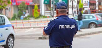 Тийнейджър откраднал полицейската униформа на баща си, правил проверки на пътя