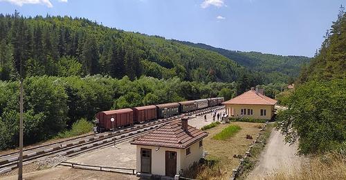 Специален влак ще пътува на 7-ми август /събота/ по маршрут от гара Септември до гара Аврамово