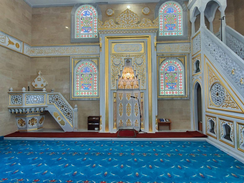 Джамията в Брезница привлича като магнит вярващи и туристи