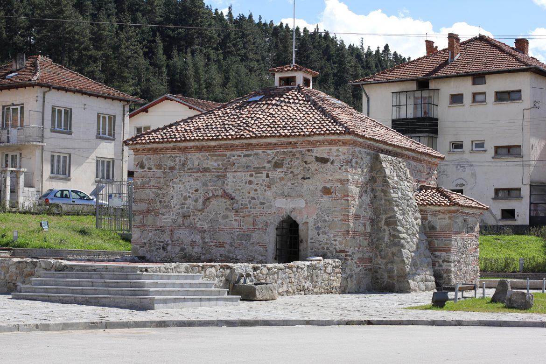 Хотелиерите в Разлог и Баня отчетоха 2 пъти повече туристи това лято