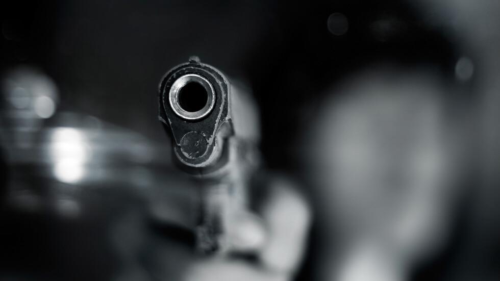 Простреляха жена в магазин в София