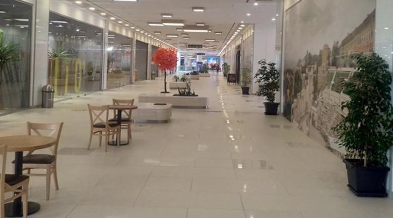 Пловдивските молове се оказаха пусти в първия почивен ден с новите мерки