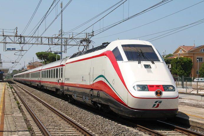 Гърция пуска нов скоростен влак между Атина и Солун през януари